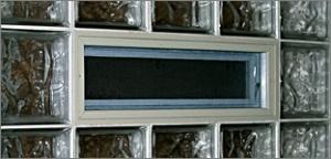 Sistema d'apertua per vetromattone e vetrocemento, finestre