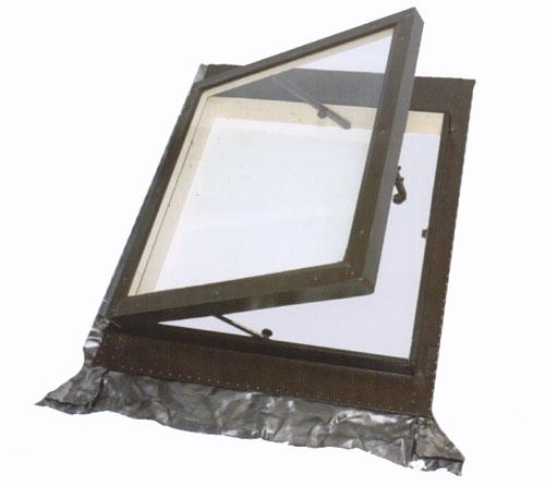 Lucernario accesso al tetto finitura pino naturale apertura a libro manuale - Velux finestre per tetti listino prezzi ...