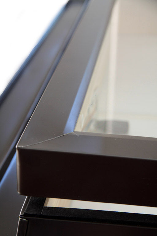 Lucernario finitura pino naturale apertura a vasistas manuale for Vendita lucernari