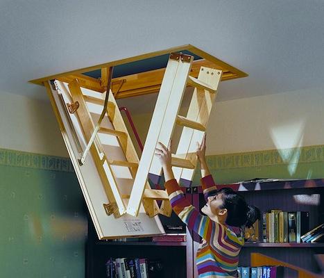 Scala retrattile in legno blog scala retrattile di for Chiusura vano scala interno