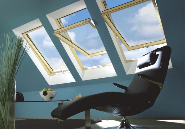Finestra da tetto ftp v u5 pino naturale apertura bilico for Finestre fakro