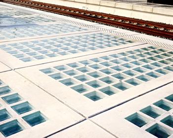 Vetromattone a pavimento con piastre di vetro vendita onlie